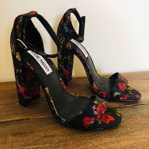 NWOT Steve Madden Floral Block Heels